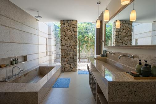 Mia Resort Nha Trang - Nha Trang - Bathroom