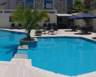 天竺葵酒店 - 康泊琉海水浴場 - Balneário Camboriú - 游泳池