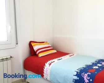 Espectacular ático dúplex con vistas al mar - Cunit - Bedroom