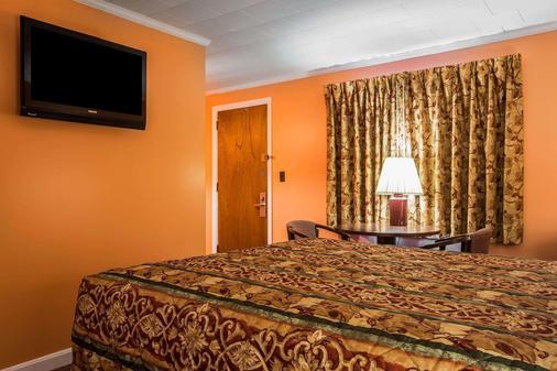 Rodeway Inn Lincoln I-93 - Lincoln - Schlafzimmer
