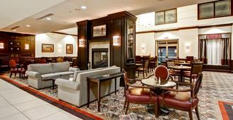 Homewood Suites by Hilton Toronto Airport Corporate Centre - טורונטו - טרקלין