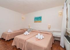 Hotel 3 Botti - Baia Sardinia - Bedroom