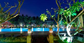 Royal Angkor Resort & Spa - Siem Reap - Bể bơi