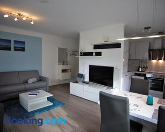 Haus Passat - Ferienwohnungen - Nienhagen - Huiskamer