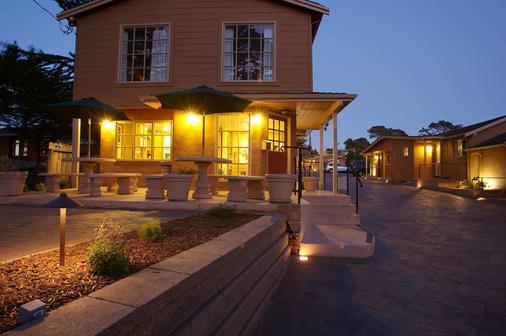 Sunset Inn - Pacific Grove - Building