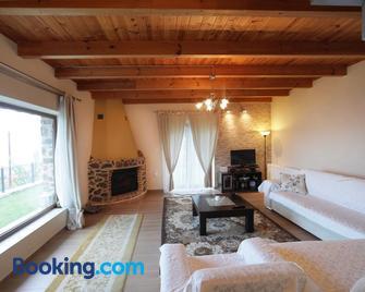 La Noi - Sidhirochori - Living room