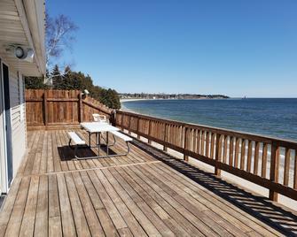 Algoma Beach Motel - Algoma - Балкон