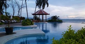 Nataya Roundhouse Coral Bay Resort and Spa - Kampot - Piscina