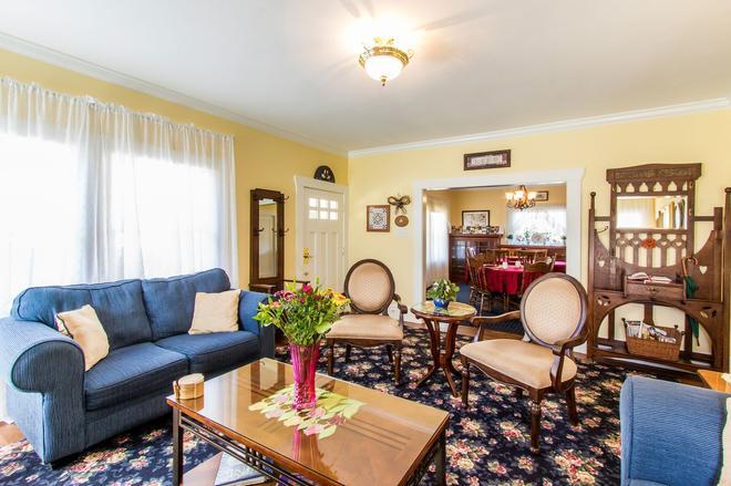 Shady Oaks Country Inn - Saint Helena - Salon