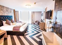 ذا جراند هوتل سوانسي - سوانسي - غرفة نوم