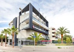 Best Western Plus Antibes Riviera - Antibes - Gebäude