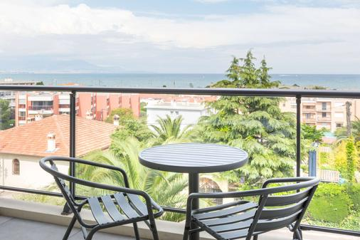 安提伯萊維拉貝斯特韋斯特優質酒店 - 安提伯 - 陽台