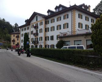 Hotel Du Lac - Lavarone - Будівля