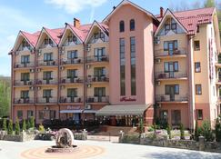 Fantasia Hotel - Поляна - Здание