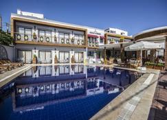Akkan Beach Hotel - Bodrum - Havuz