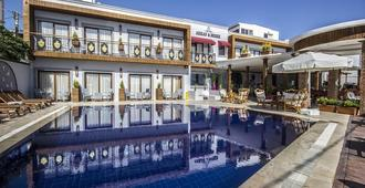 Akkan Beach Hotel - Bodrum - Pool