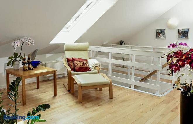 Dadas Bed & Breakfast - Store Heddinge - Living room