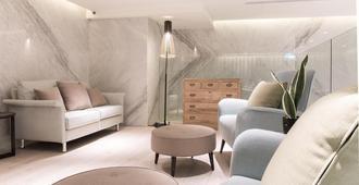 Riverview Suites Taipei - Taipei - Wohnzimmer