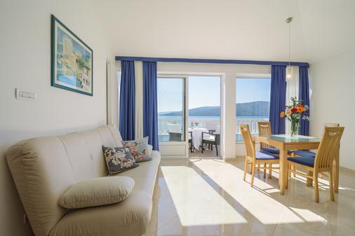 Villa Mediterana - Trogir - Living room