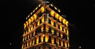 Hotel Romanico Palace - Roma - Edificio