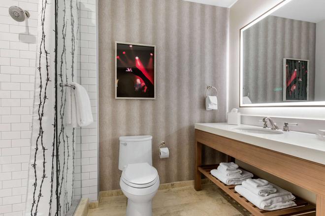 Cambria Hotel Nashville Downtown - Nashville - Baño