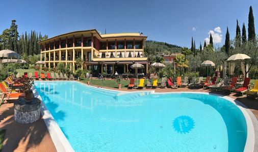 維拉教母酒店 - 加爾達 - 加爾達 - 游泳池