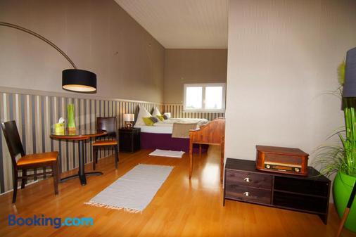 Hotel Rheingold - Gernsheim - Bedroom