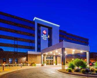 Best Western Plus Kelly Inn - St. Cloud - Building
