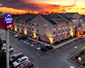 Fairfield Inn and Suites by Marriott Edison-South Plainfield - Edison - Gebäude