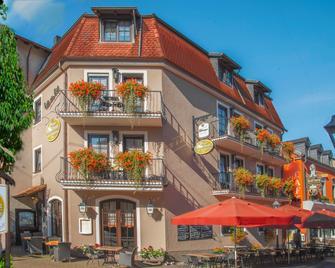 Hotel Restaurant Zum Schwan - Mettlach - Gebouw