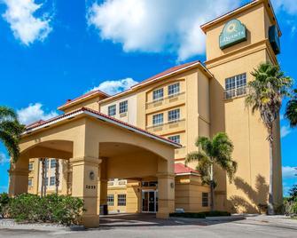 La Quinta Inn & Suites by Wyndham Ft. Pierce - Fort Pierce - Gebäude