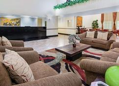 La Quinta Inn & Suites by Wyndham Ft. Pierce - Fort Pierce - Lobby