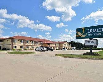 Quality Inn & Suites - Grinnell - Gebäude