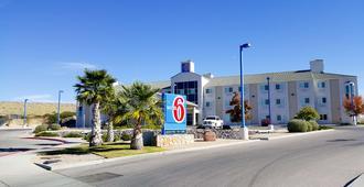 Motel 6 Las Cruces - Telshor - לאס קרוסס - בניין