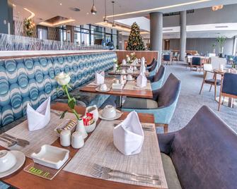 La Quinta Inn & Suites by Wyndham Clinton Historic Route 66 - Clinton - Restaurant