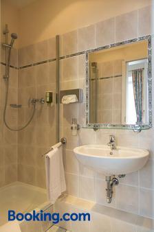 Wirtshaus zum Pferdemarkt - Saarburg - Bathroom