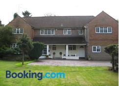 Tanglewood Guest House - Crawley - Edificio