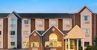 Microtel Inn & Suites by Wyndham Florence/Cincinnati Airport - Florence