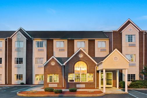 Microtel Inn & Suites by Wyndham Florence/Cincinnati Airport - Florence - Toà nhà