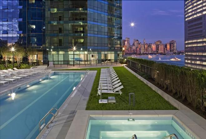 Green Suites - Jersey City - Pool