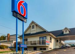 Motel 6 Kamloops, BC - Kamloops - Gebäude