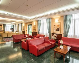 AS Hotel Dei Giovi - Cesano Maderno - Salónek