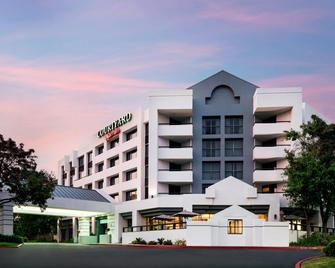 Courtyard by Marriott Richmond Berkeley - Richmond - Building