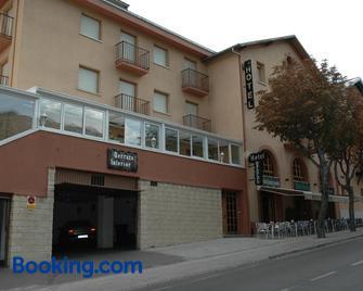 Hotel Tres Arcos - San Lorenzo de El Escorial - Building
