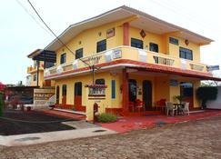 Hospedaje Romy - Puerto Baquerizo Moreno - Building