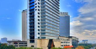 Yiwu Bali Plaza Hotel - ייו