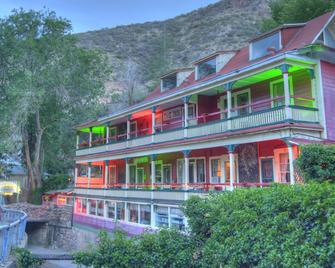 The Inn at Castle Rock - Bisbee - Building