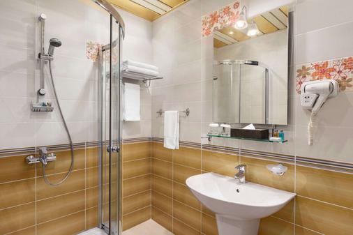 Days Hotel by Wyndham Baku - Baku - Bathroom
