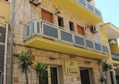 Hotel da Ettore - Porto Cesareo - Κτίριο