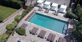 Hotel Montmorency - Carcassonne - Pool